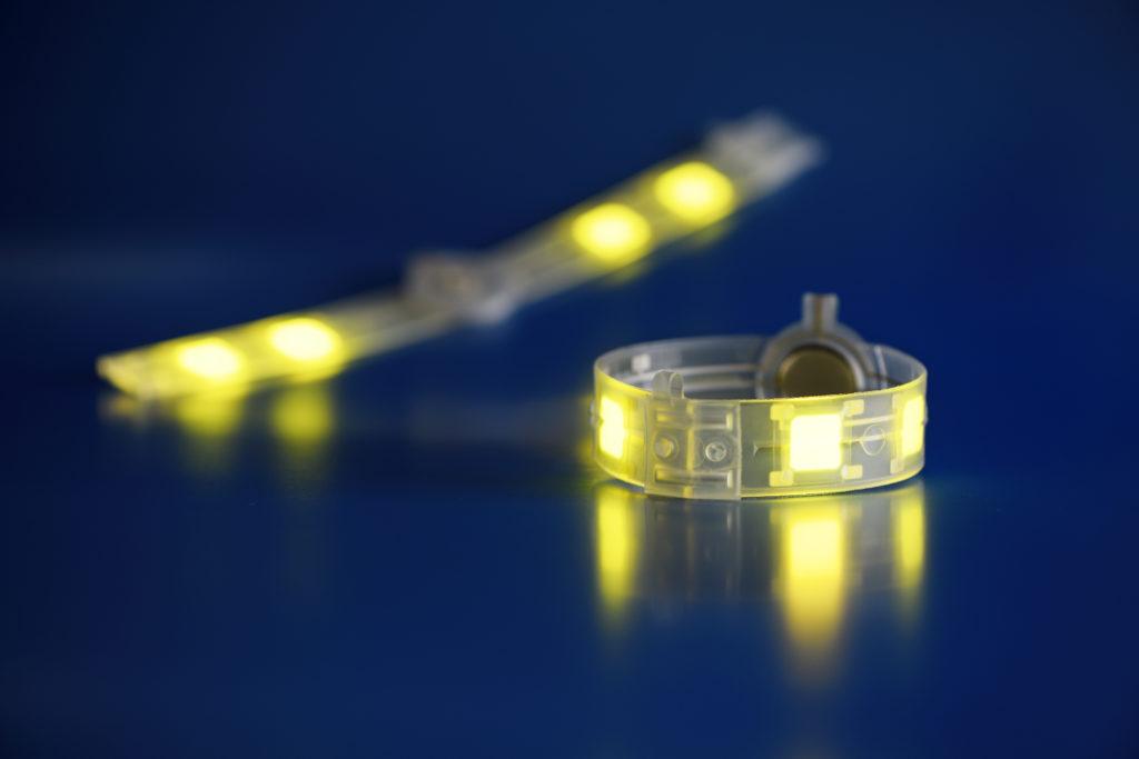 Lyteus - OLED bracelet. Copyright Lyteus