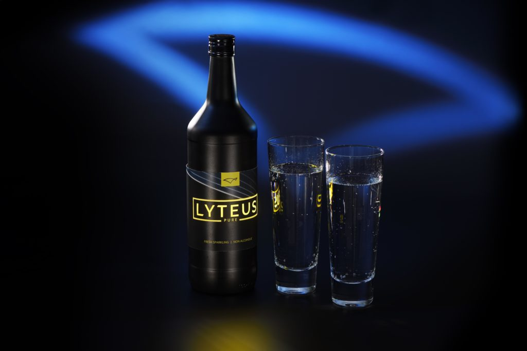Lyteus_Bottle with OLED printed label